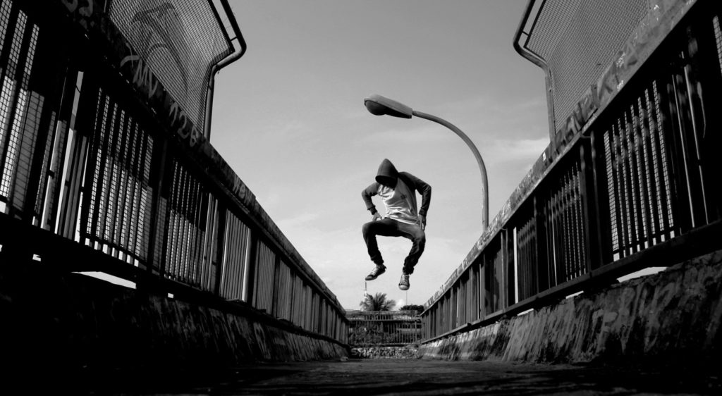 Jump to the electronic radio beats