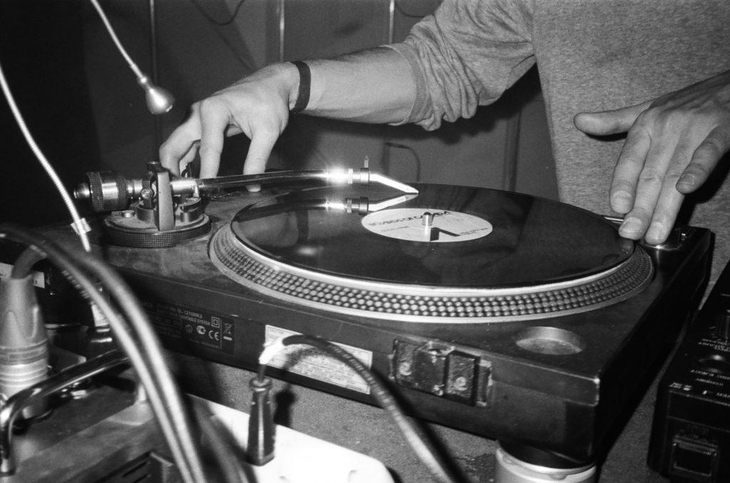 Electronic Music Radio DJ